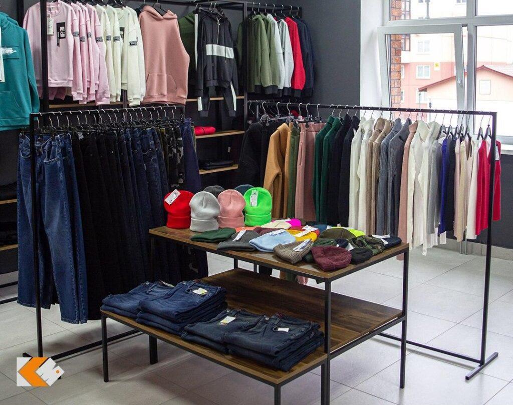 В большой семье KAZZARMA MALL появился магазин «District»